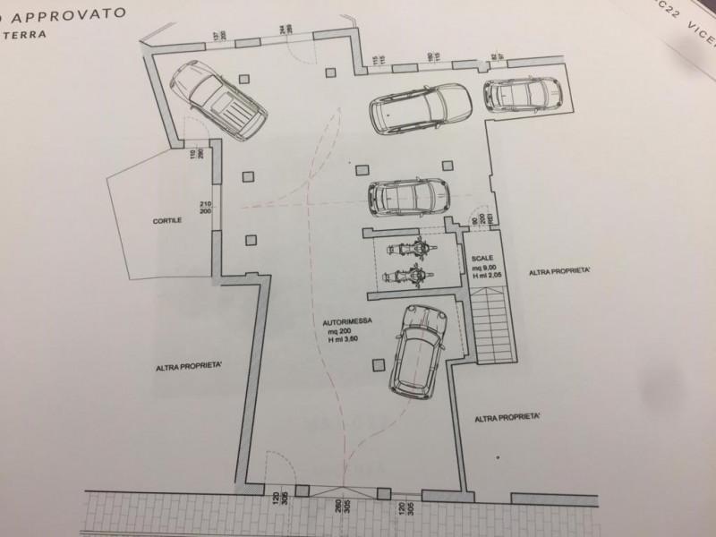 Box / Garage in vendita a Vicenza, 9999 locali, zona Zona: Centro storico, prezzo € 360.000 | CambioCasa.it