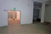Negozio al piano terra e magazzino interrato