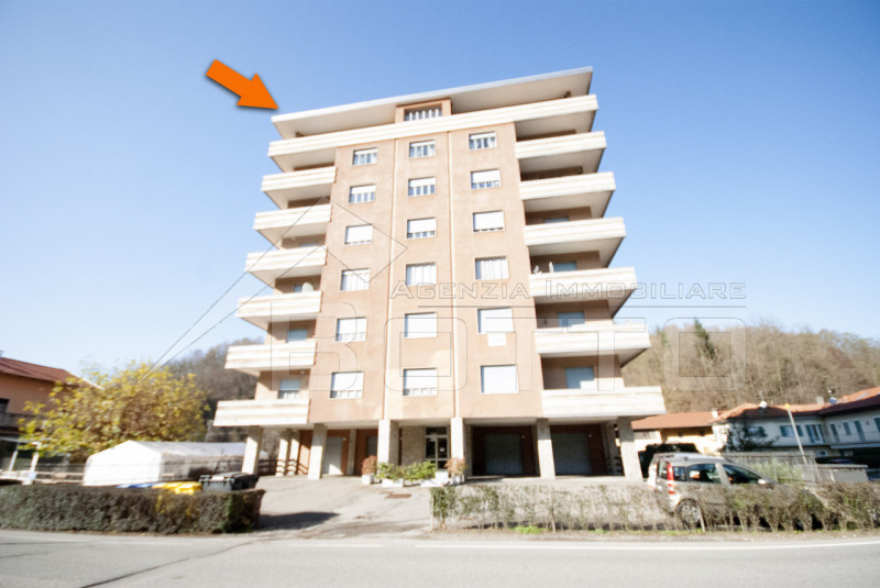 Flat for sale in Valduggia, penthouse with view.