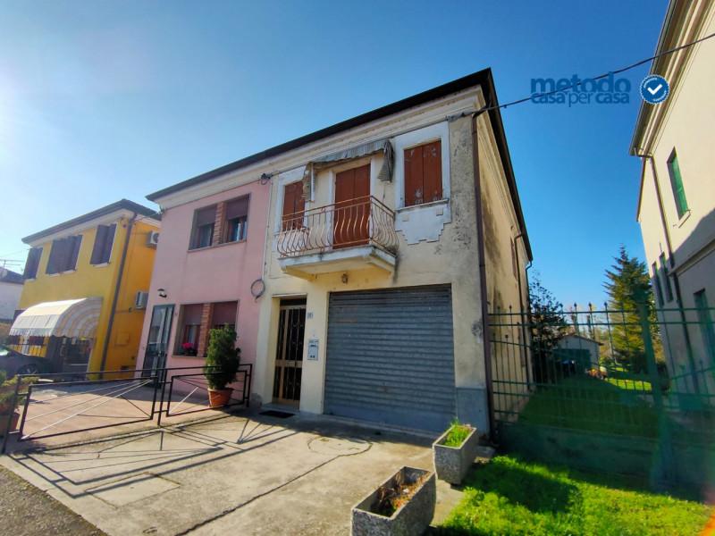 Villa in vendita a Villanova Marchesana, 4 locali, zona Località: Villanova Marchesana - Centro, prezzo € 33.000   CambioCasa.it
