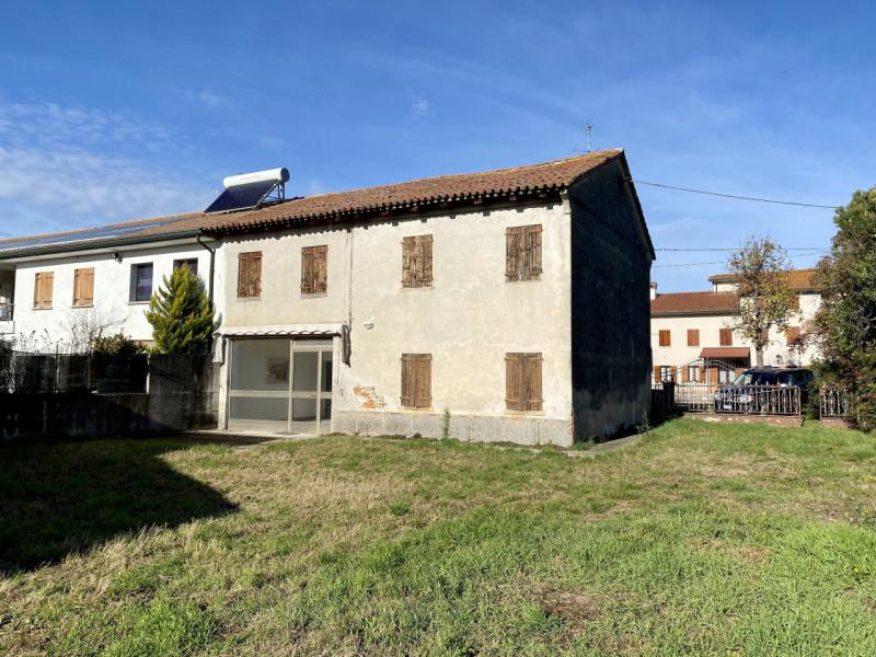 Villa Bifamiliare in vendita a Vedelago, 5 locali, prezzo € 125.000 | CambioCasa.it