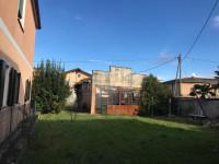Eraclea Paese (VE) vendesi immobile da ristrutturare con terreno di pertinenza