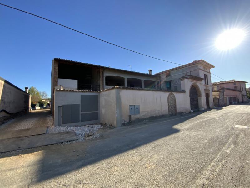 Rustico / Casale in vendita a Bedizzole, 6 locali, zona Località: Bedizzole - Centro, prezzo € 340.000   PortaleAgenzieImmobiliari.it
