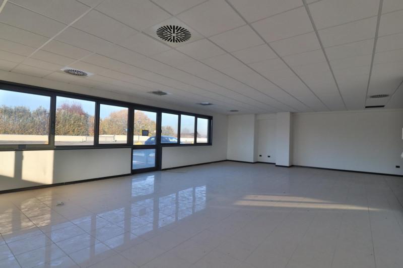 Ufficio / Studio in vendita a Vigonza, 9999 locali, zona Zona: Capriccio, prezzo € 143.000 | CambioCasa.it