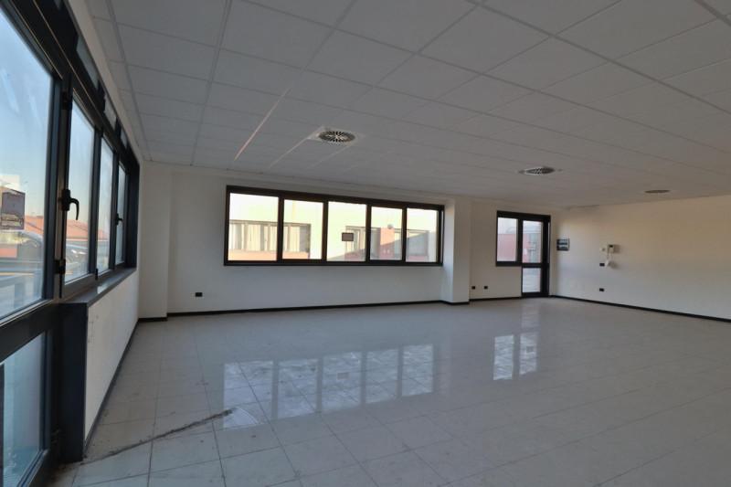Ufficio / Studio in vendita a Vigonza, 1 locali, zona Zona: Capriccio, prezzo € 150.000 | CambioCasa.it