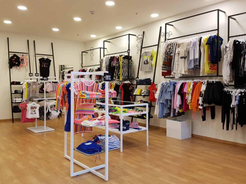 EREMITANI: negozio 45 mq - https://images.gestionaleimmobiliare.it/foto/annunci/201202/2360695/800x800/999__foto.jpg