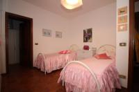 SENIGALLIA, a 9 km da Senigallia, casa singola 158 mq, corte 6000 mq.