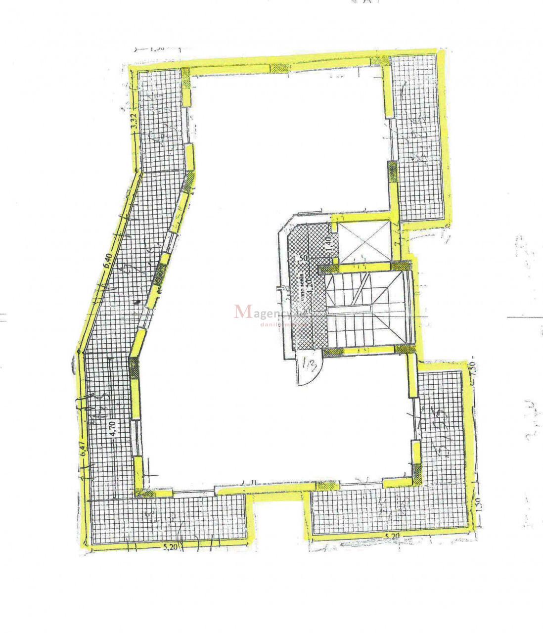 Appartamenti in piccolo stabile Sbarre Centrali da dividere