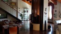 Villa indipendente di 550 mq più garage di 90 mq e scoperto esclusivo di 2700 mq