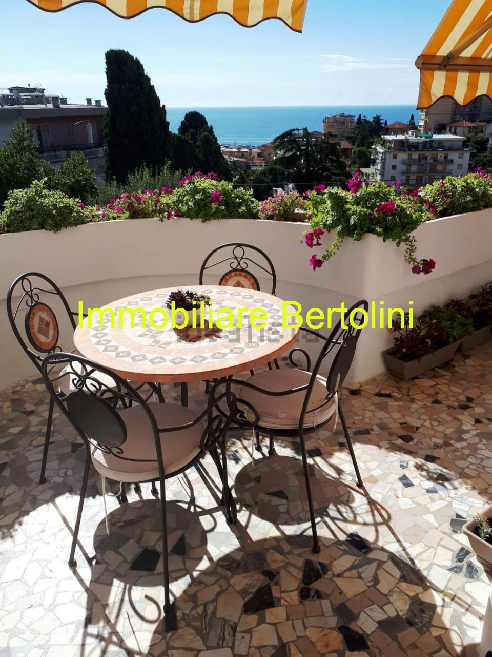 Trifamiliare in vendita a Sanremo