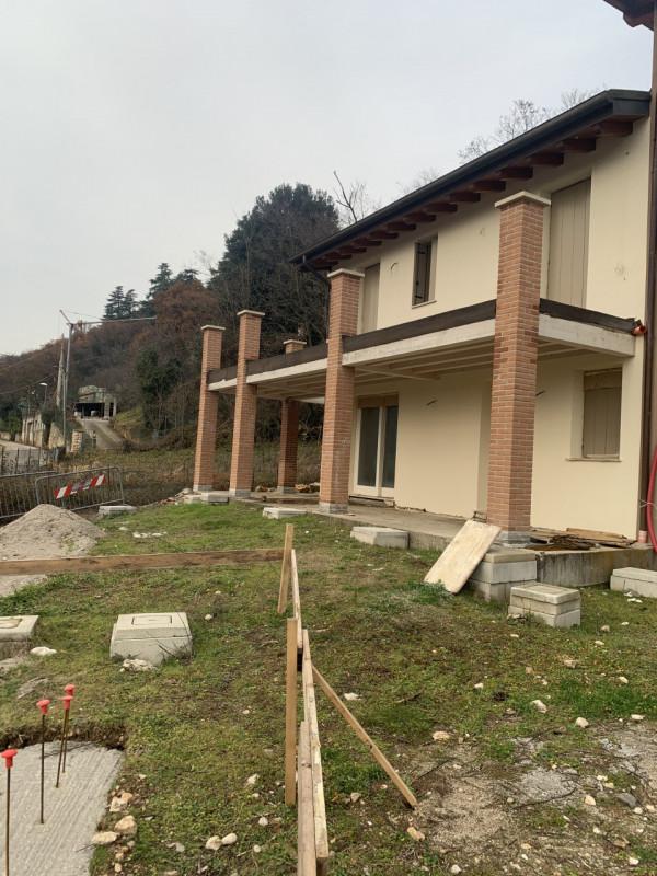 Villa in vendita a Costabissara, 5 locali, zona Località: Costabissara, prezzo € 375.000   CambioCasa.it