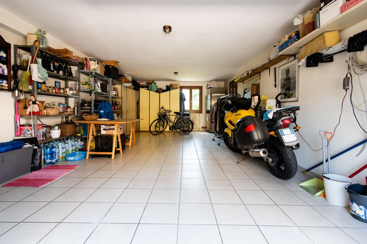 D318 Signorile casa singola con giardino e splendida vista in vendita a Torreglia https://images.gestionaleimmobiliare.it/foto/annunci/210121/2378070/1280x1280/015__blucasa-2066.jpg