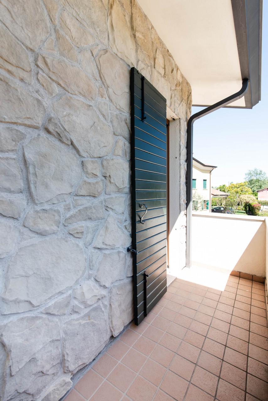 D318 Signorile casa singola con giardino e splendida vista in vendita a Torreglia https://images.gestionaleimmobiliare.it/foto/annunci/210121/2378070/1280x1280/017__blucasa-2077.jpg