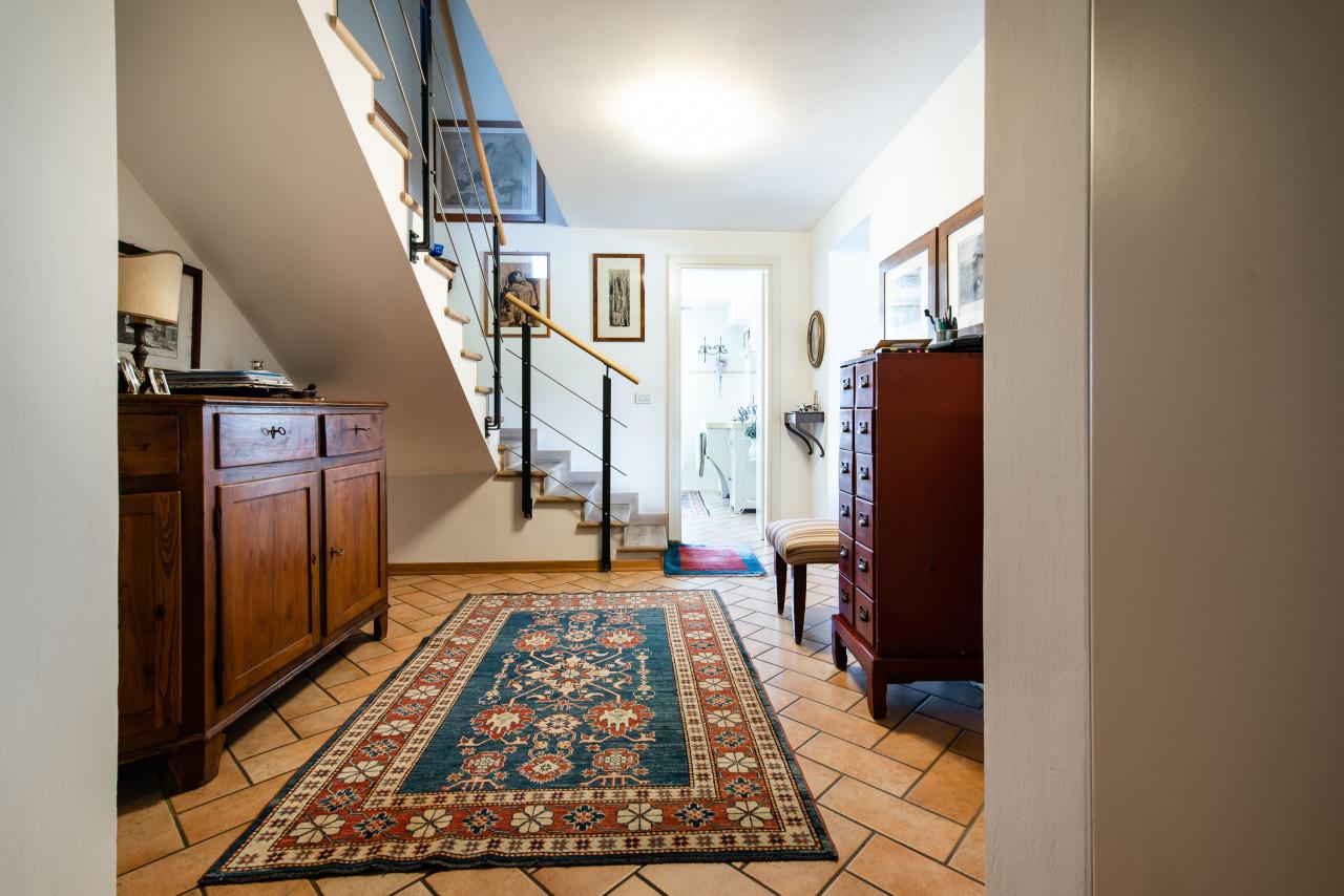 D318 Signorile casa singola con giardino e splendida vista in vendita a Torreglia https://images.gestionaleimmobiliare.it/foto/annunci/210121/2378070/1280x1280/021__blucasa-2067.jpg