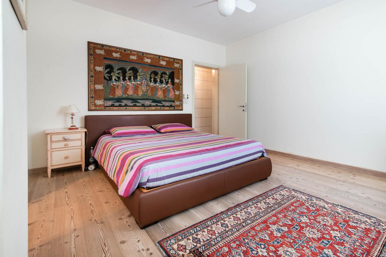 D318 Signorile casa singola con giardino e splendida vista in vendita a Torreglia https://images.gestionaleimmobiliare.it/foto/annunci/210121/2378070/1280x1280/026__blucasa-2097.jpg
