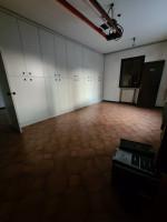 Capannone ad uso artigianale con appartamento al piano primo