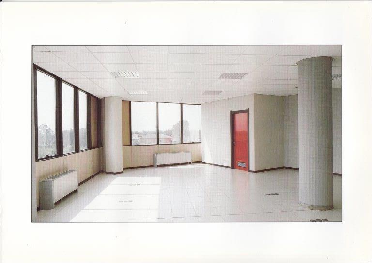 Immobile Commerciale in affitto a Volpiano, 9999 locali, prezzo € 400 | CambioCasa.it