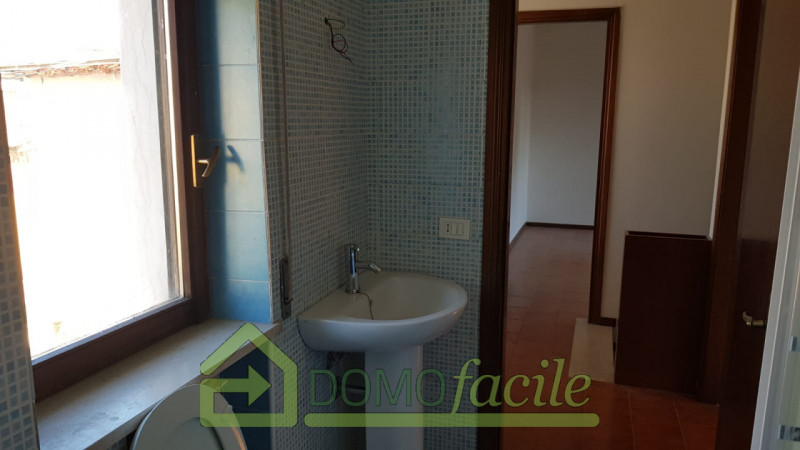Casa a schiera in vendita a Thiene - https://images.gestionaleimmobiliare.it/foto/annunci/210127/2386391/800x800/011__whatsapp_image_2021-01-27_at_16_00_37__1.jpg
