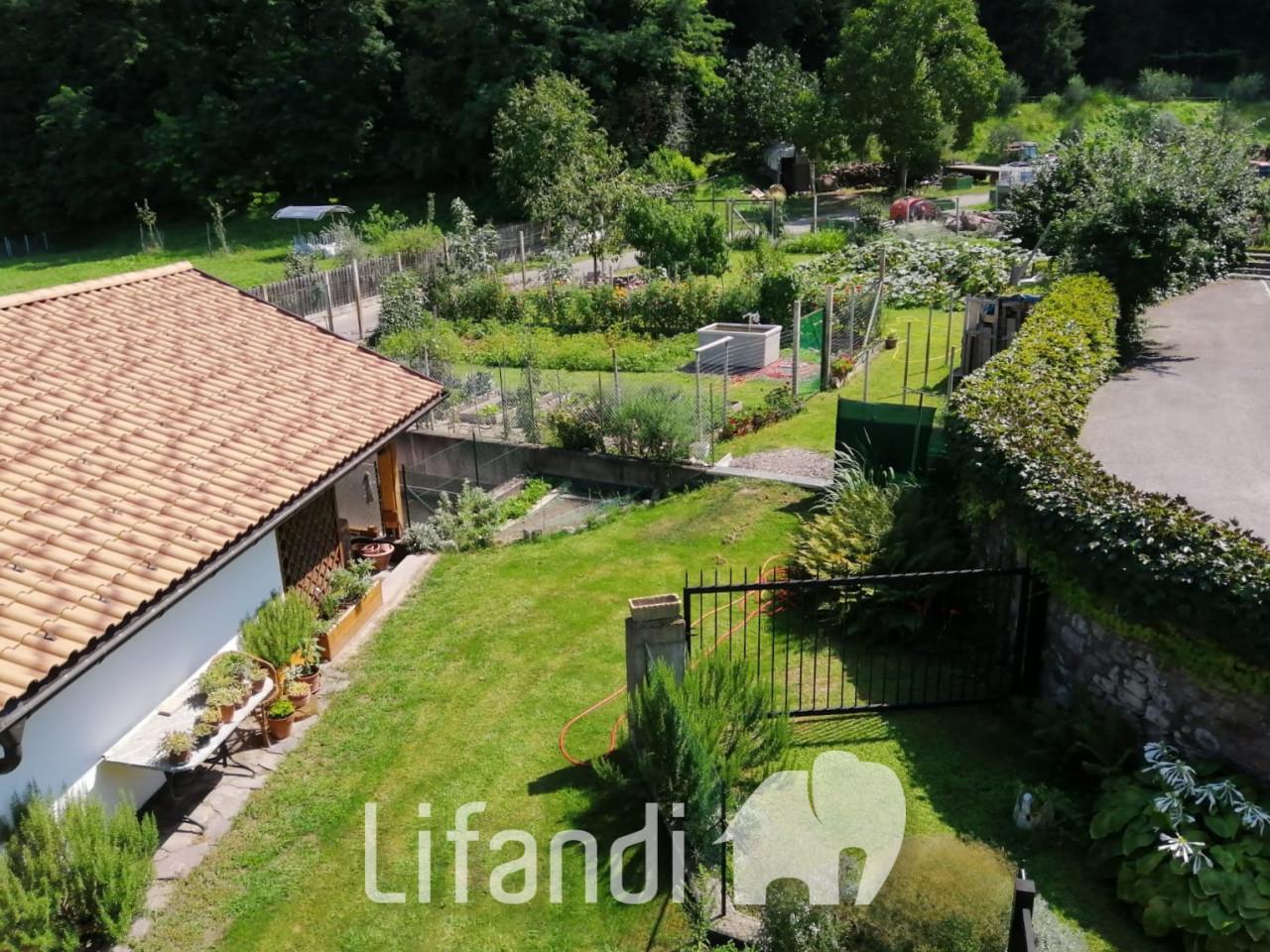 Ora: Trilocale con giardino privato
