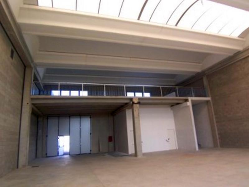 Laboratorio in vendita a Liscate, 4 locali, prezzo € 574.000 | PortaleAgenzieImmobiliari.it