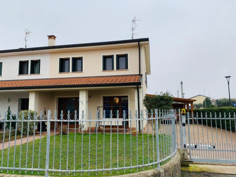 Villa Bifamiliare in vendita a Carceri, 4 locali, zona Località: Carceri - Centro, prezzo € 225.000 | CambioCasa.it