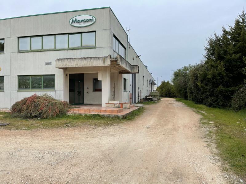 Capannone in vendita a Recanati, 9999 locali, prezzo € 560.000 | CambioCasa.it