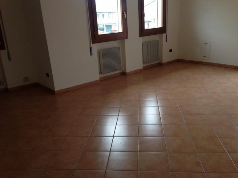 Appartamento in vendita a Ponso, 3 locali, zona Località: Ponso - Centro, prezzo € 100.000   CambioCasa.it