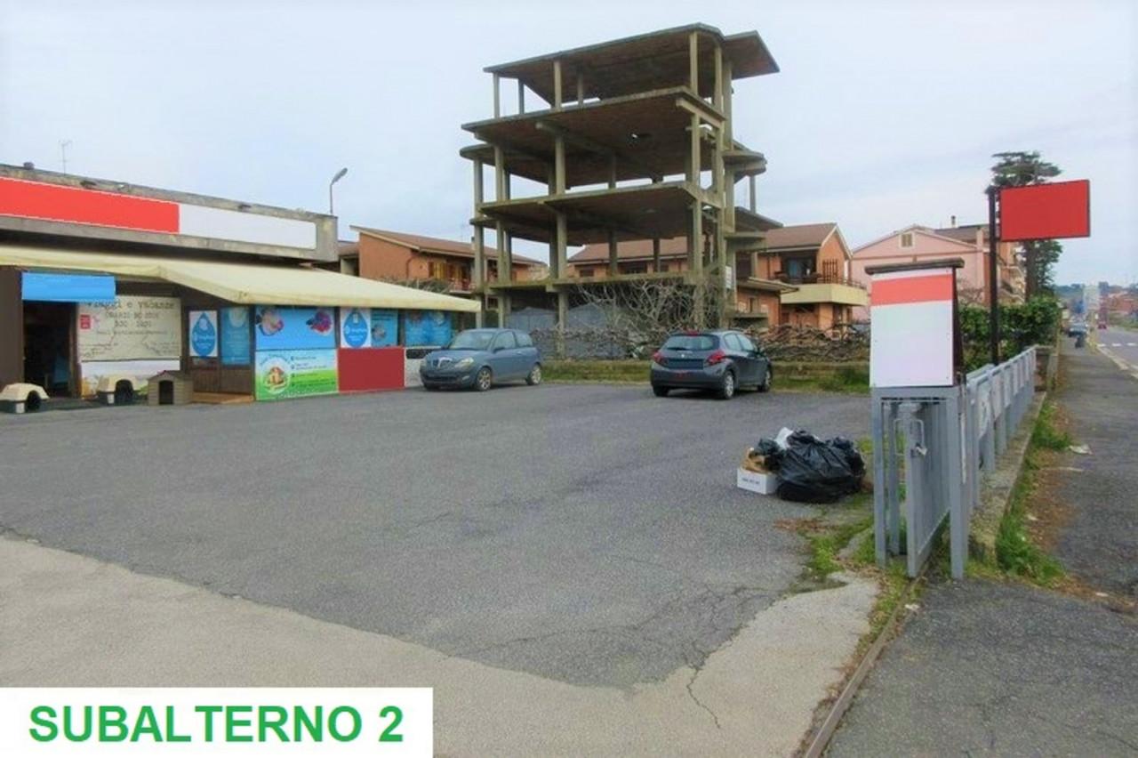 Posto auto scoperto (sub 2) in cortile