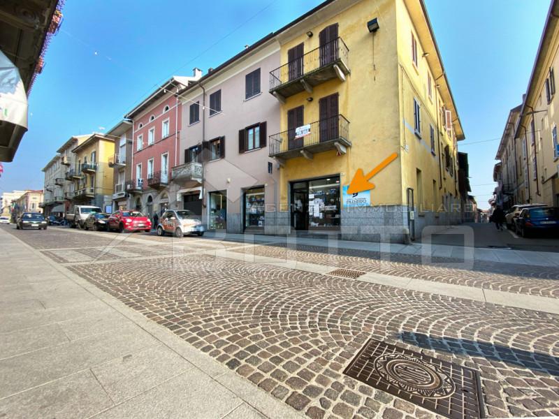 Negozio / Locale in vendita a Borgomanero, 2 locali, zona Località: Borgomanero - Centro, prezzo € 189.000 | PortaleAgenzieImmobiliari.it