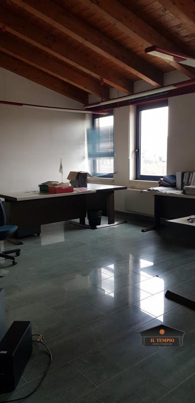 Ufficio / Studio in vendita a Montecchio Precalcino, 15 locali, zona Zona: Levà, prezzo € 1.100.000   CambioCasa.it