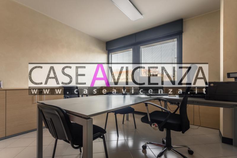 Ufficio / Studio in vendita a Rubano, 9999 locali, zona Zona: Sarmeola, prezzo € 140.000   CambioCasa.it