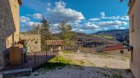 Villetta indipendente predisposta a uso ricettivo nel borgo medievale di Monterone