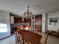 CAVARZERE: appartamento primo piano con garage