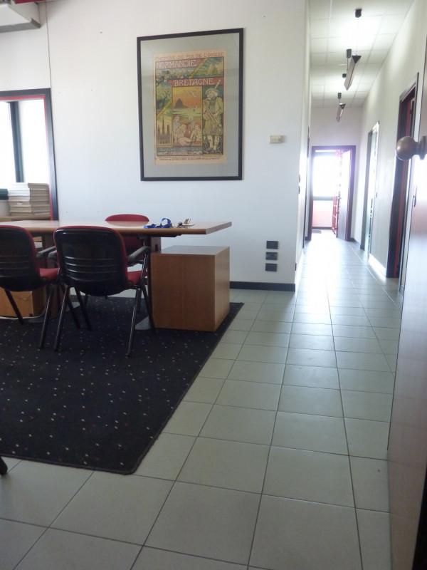Ufficio / Studio in vendita a Villorba, 6 locali, zona Zona: Villorba, prezzo € 170.000 | CambioCasa.it