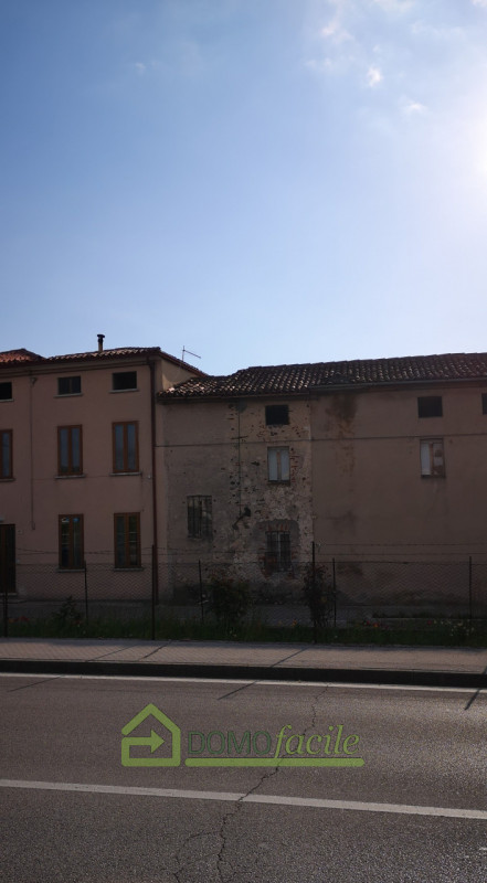 CARRE': CASA A SCHIERA CENTRALE IN ZONA CENTRALE €26.000 - https://images.gestionaleimmobiliare.it/foto/annunci/210409/2423121/800x800/999__img_20210409_091529_2.jpg