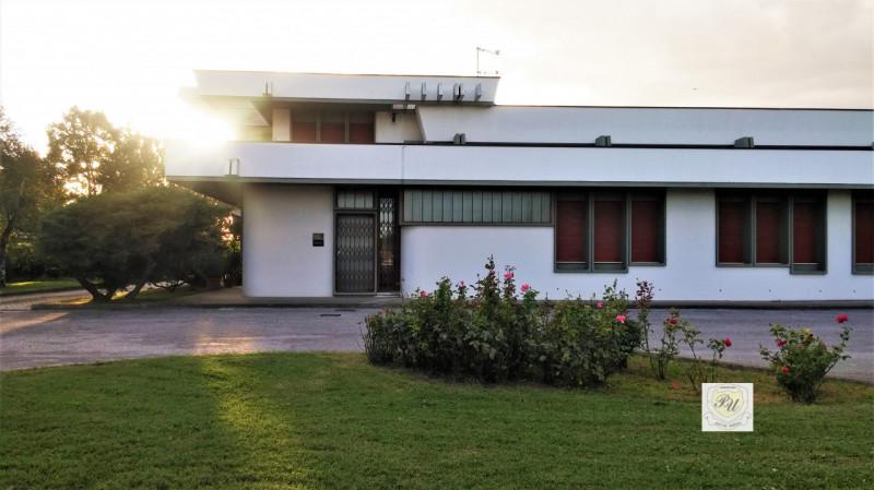 Capannone in vendita a Villa Estense, 9999 locali, Trattative riservate | CambioCasa.it