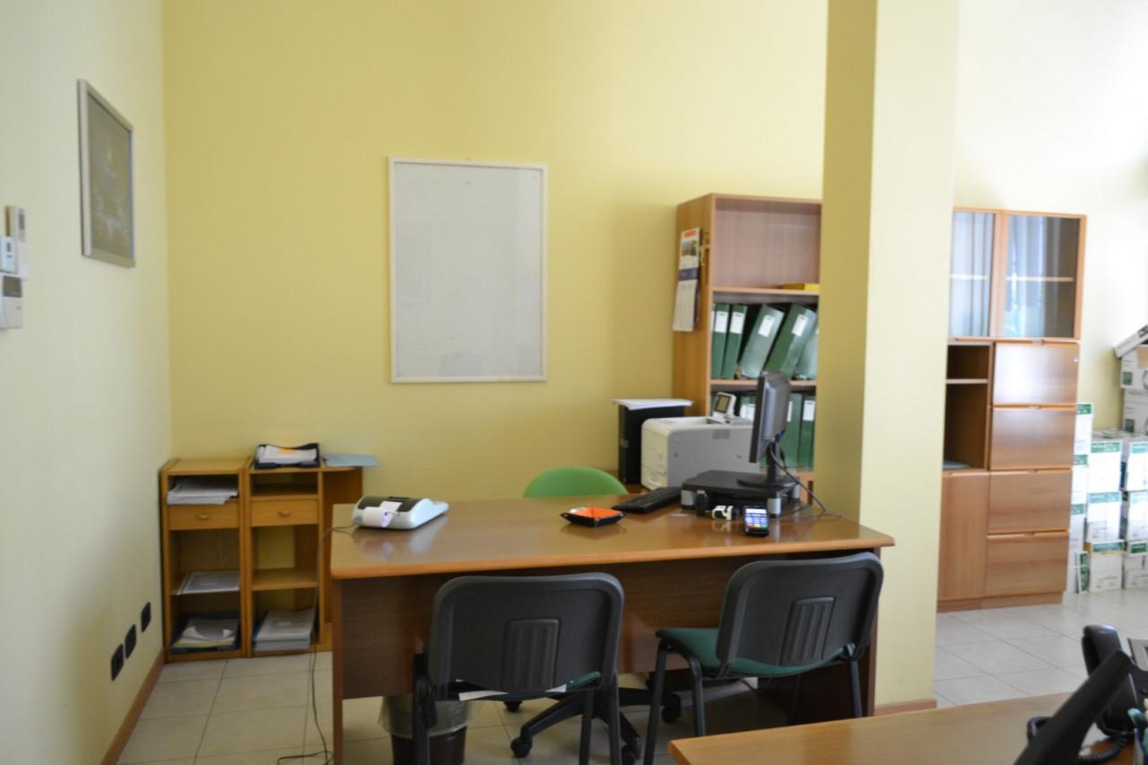 Rif. A402 - Negozio /Ufficio Abano Centro https://images.gestionaleimmobiliare.it/foto/annunci/210421/2555812/1280x1280/003__dsc_0006__grande.jpg