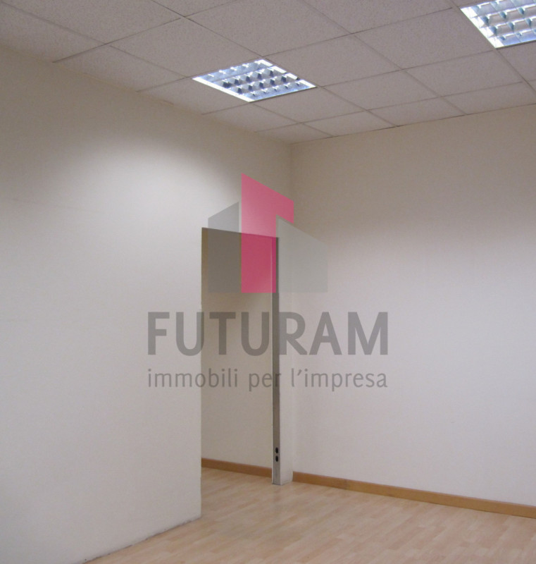 CAPANNONE IN AFFITTO Camisano Vicentino - https://images.gestionaleimmobiliare.it/foto/annunci/210424/2557158/800x800/999__lab__c__2_3p_foto_3.jpg