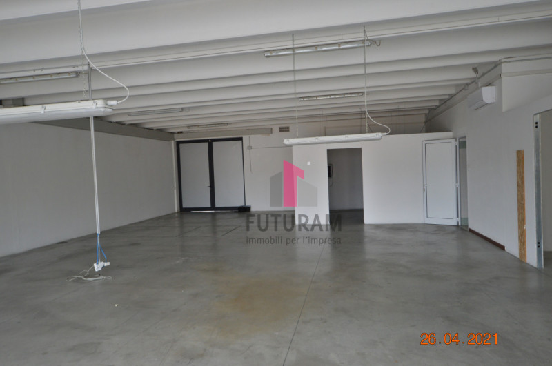 CAMISANO VICENTINO AFFITASI CAPANNONE 240 MQ - https://images.gestionaleimmobiliare.it/foto/annunci/210427/2557918/800x800/002__0__21.jpg