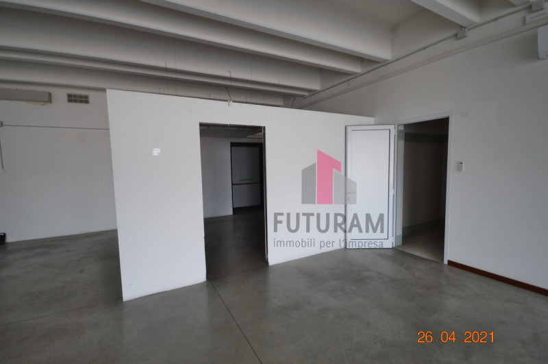 CAMISANO VICENTINO AFFITASI CAPANNONE 240 MQ - https://images.gestionaleimmobiliare.it/foto/annunci/210427/2557918/800x800/003__0__14.jpg