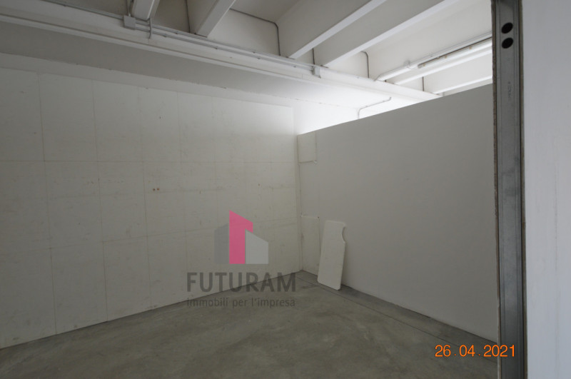 CAMISANO VICENTINO AFFITASI CAPANNONE 240 MQ - https://images.gestionaleimmobiliare.it/foto/annunci/210427/2557918/800x800/006__0__11.jpg