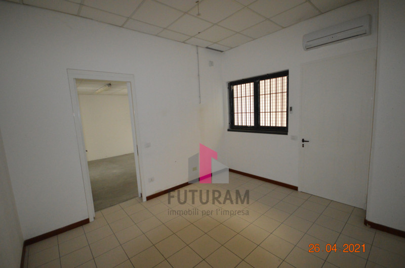 CAMISANO VICENTINO AFFITASI CAPANNONE 240 MQ - https://images.gestionaleimmobiliare.it/foto/annunci/210427/2557918/800x800/007__0__17.jpg