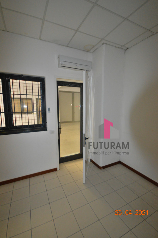 CAMISANO VICENTINO AFFITASI CAPANNONE 240 MQ - https://images.gestionaleimmobiliare.it/foto/annunci/210427/2557918/800x800/009__0__18.jpg