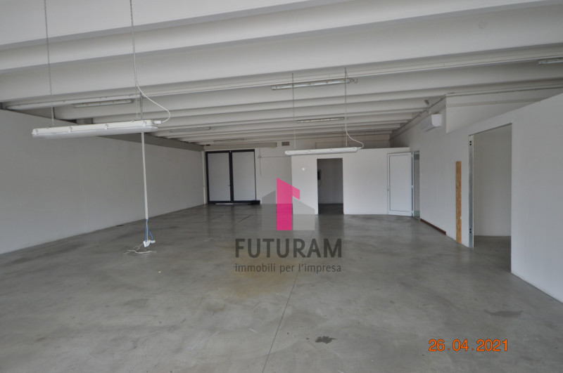 CAMISANO VICENTINO AFFITASI CAPANNONE 240 MQ - https://images.gestionaleimmobiliare.it/foto/annunci/210427/2557918/800x800/012__0__20.jpg