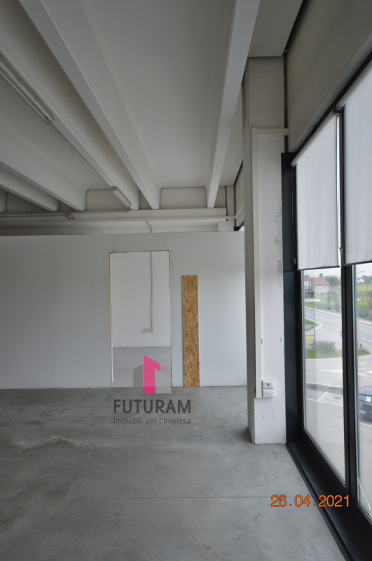 CAMISANO VICENTINO AFFITASI CAPANNONE 240 MQ - https://images.gestionaleimmobiliare.it/foto/annunci/210427/2557918/800x800/014__0__23.jpg