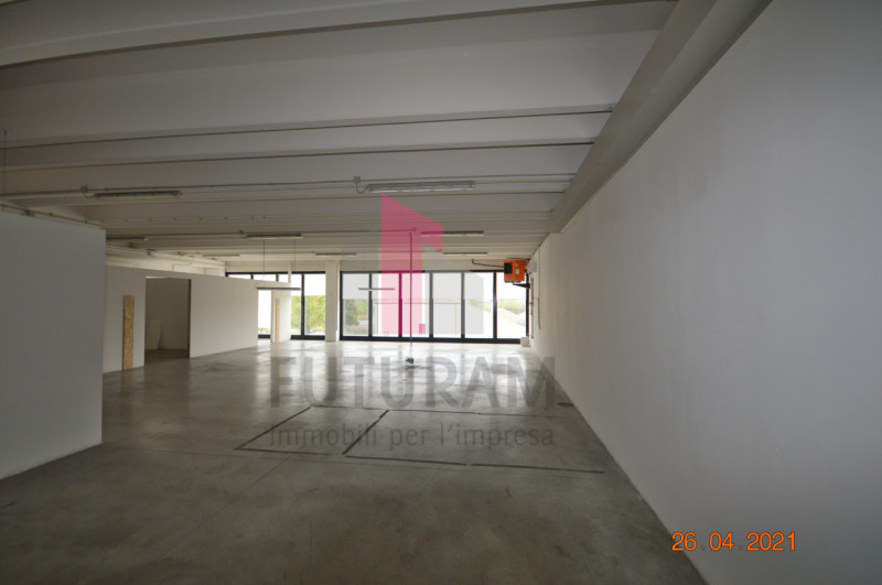 CAMISANO VICENTINO AFFITASI CAPANNONE 240 MQ - https://images.gestionaleimmobiliare.it/foto/annunci/210427/2557918/800x800/016__0__3.jpg