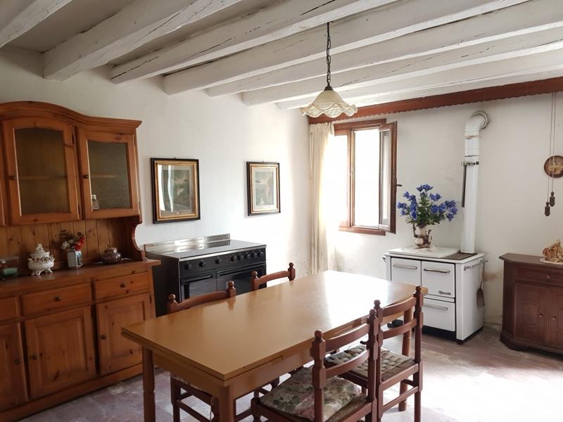 Rustico / Casale in vendita a Vighizzolo d'Este, 3 locali, prezzo € 40.000 | CambioCasa.it