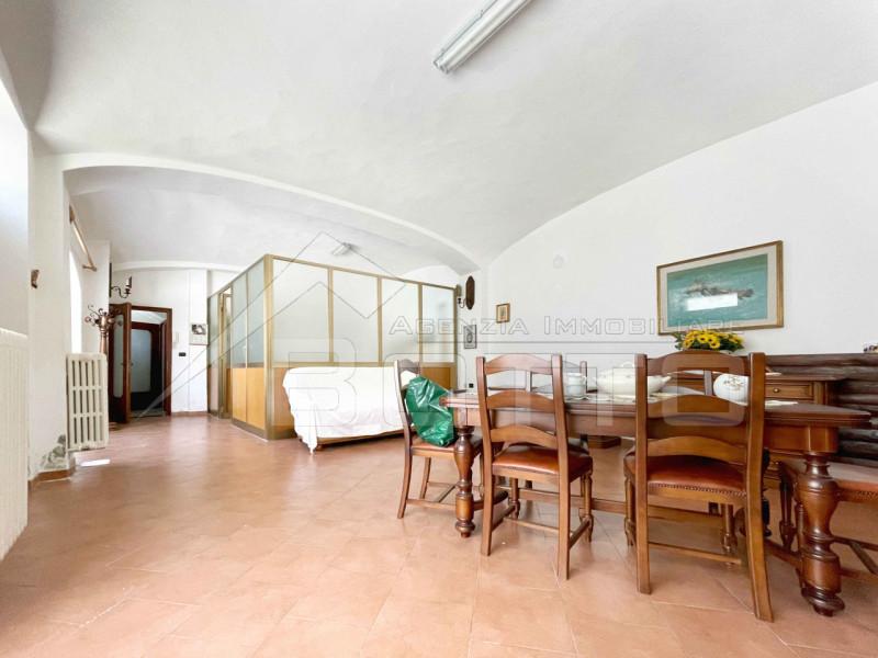 Casa indipendente in vendita a Romagnano Sesia, con taverna