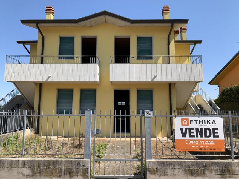 Appartamento in vendita a Roveredo di Guà, 3 locali, zona Località: Roveredo di Guà, prezzo € 115.000 | CambioCasa.it