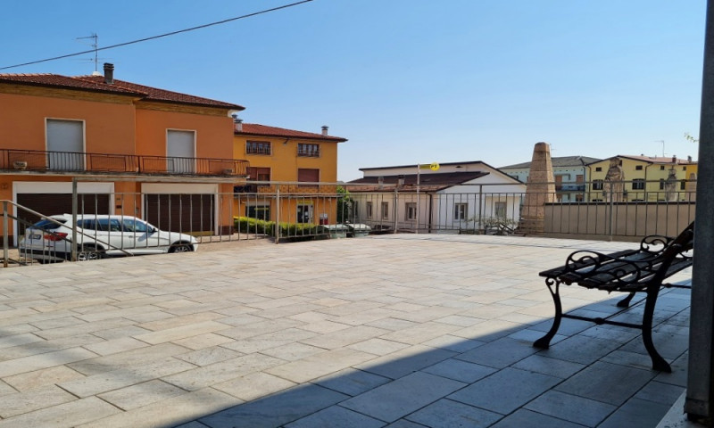 Negozio / Locale in vendita a Vernasca, 2 locali, zona Località: Vernasca - Centro, prezzo € 45.000 | CambioCasa.it